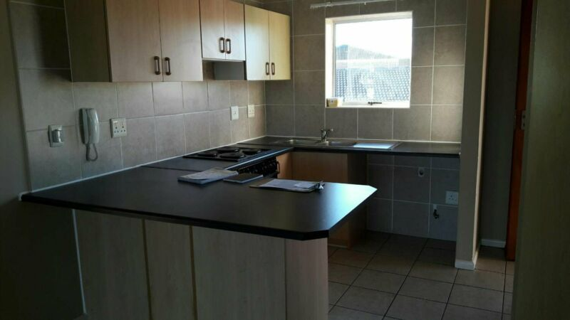 Saving - 1 Month Free - 2 bed Apartment with Garage to rent in Chenell 1 Brackenfell