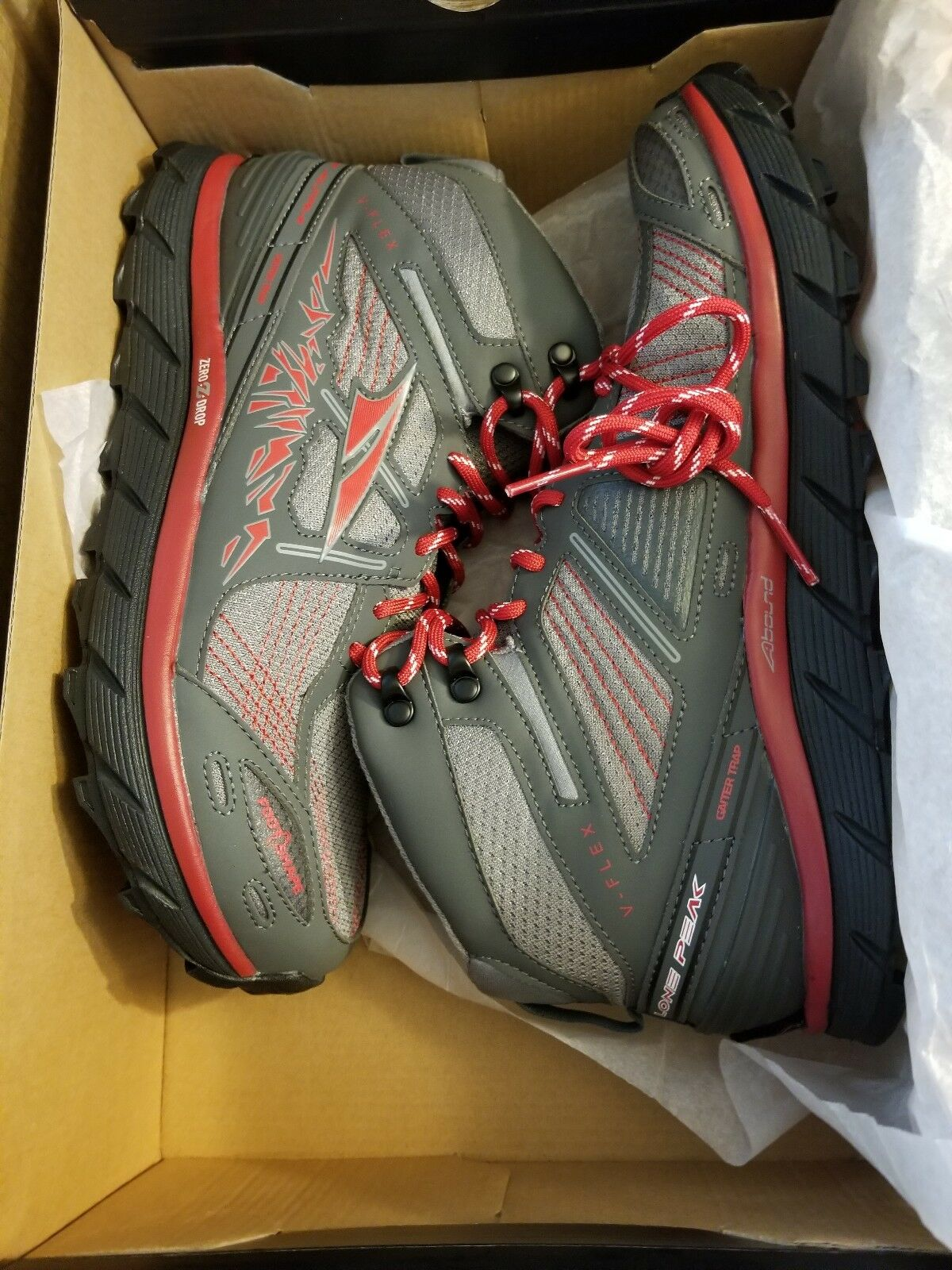 Altra lone  peak 3.5 mid size 9.5 men's  low-key luxury connotation