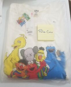 UNIQLO-KAWS-X-SESAME-STREET-SWEATSHIRT-ELMO-amp-COOKIE-MONSTER-OFF-WHITE-SIZE-3XL