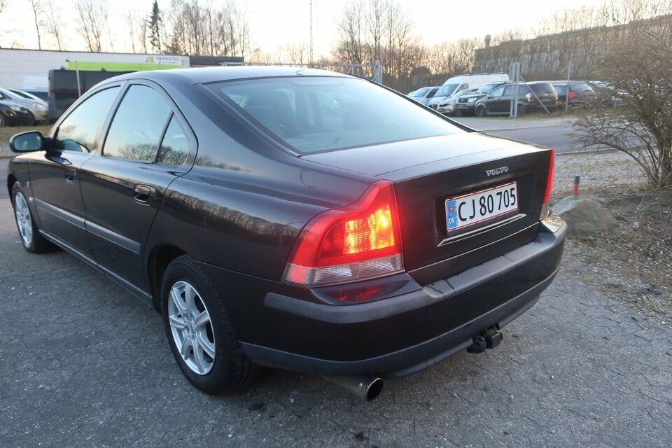 Volvo S60 2,4 140 Business Benzin modelår 2001 km 340000