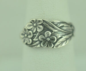Beautiful-925-Sterling-Silver-Small-Forget-Me-Not-Flower-Spoon-Ring