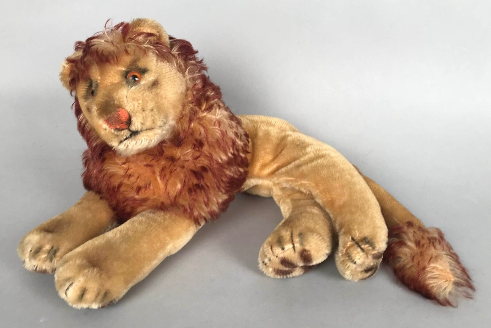Vintage Steiff Leo Lion 2335 14  Long Nice Mane Excellent cond No Buttons/tags