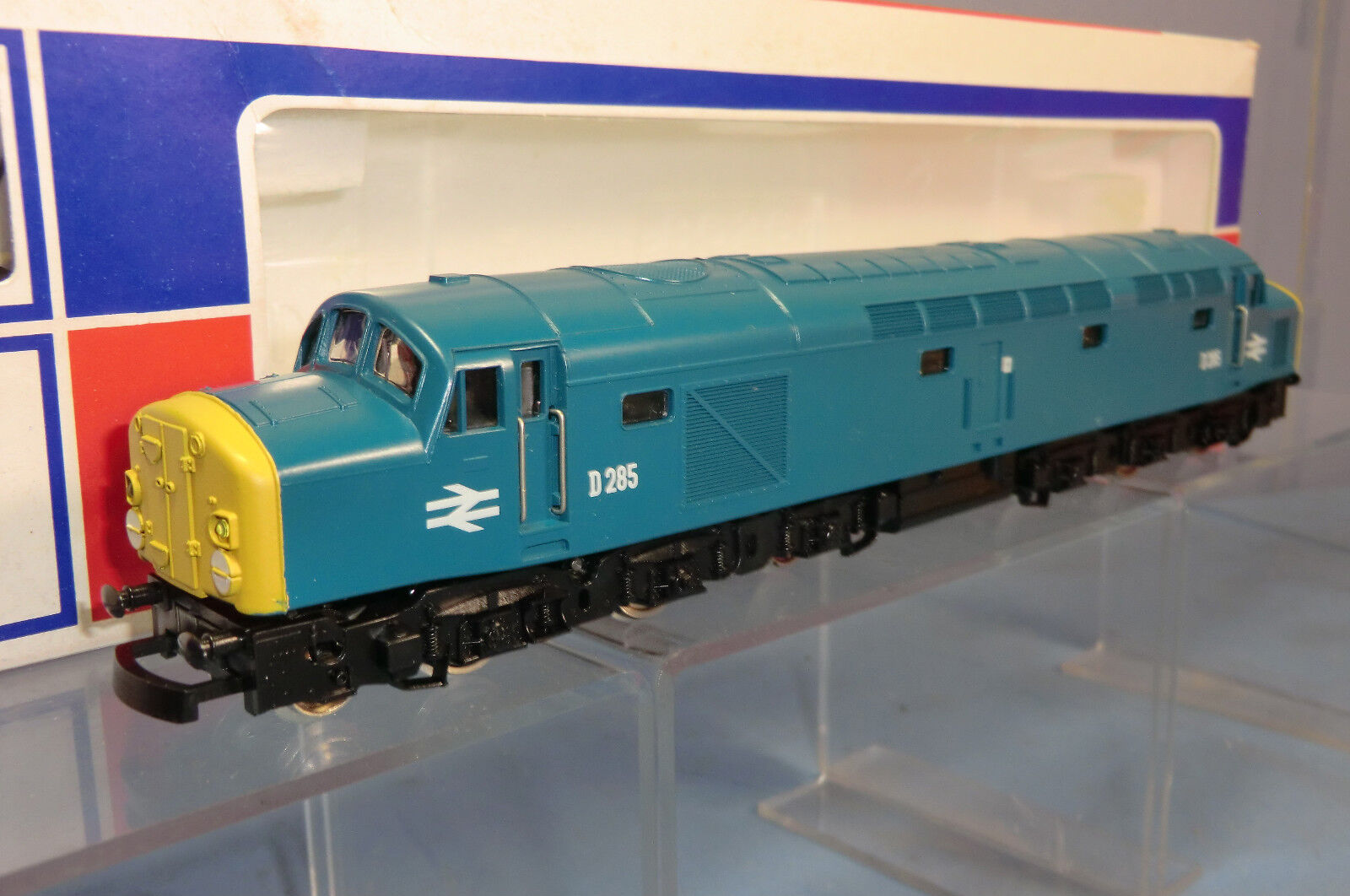 JOUEF MODEL No.8912 BR   EE TYPE 4 Class 40 1Co-Co1 D285  DIESEL LOCO      MIB