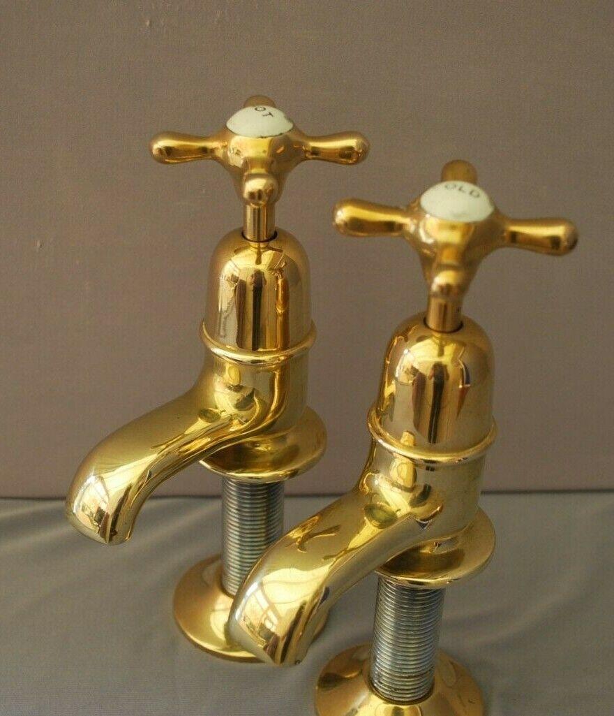 Vieux Laiton bassin robinets régénéré et entièrement rénové ancienne vintage laiton robinets