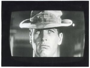 5 Photos - TV Screen - Paul Newman - The Long Hot Summer - 1958 - - France - Couleur: Noir et blanc Période: De 1940 1990 Format (cm): 18 x 23,9 Type: Tirage argentique Objet modifié: Non Nombre de pices: 5 Authenticité: Tirage original - France