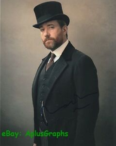 MATTHEW-MACFADYEN-Howard-039-s-End-SIGNED