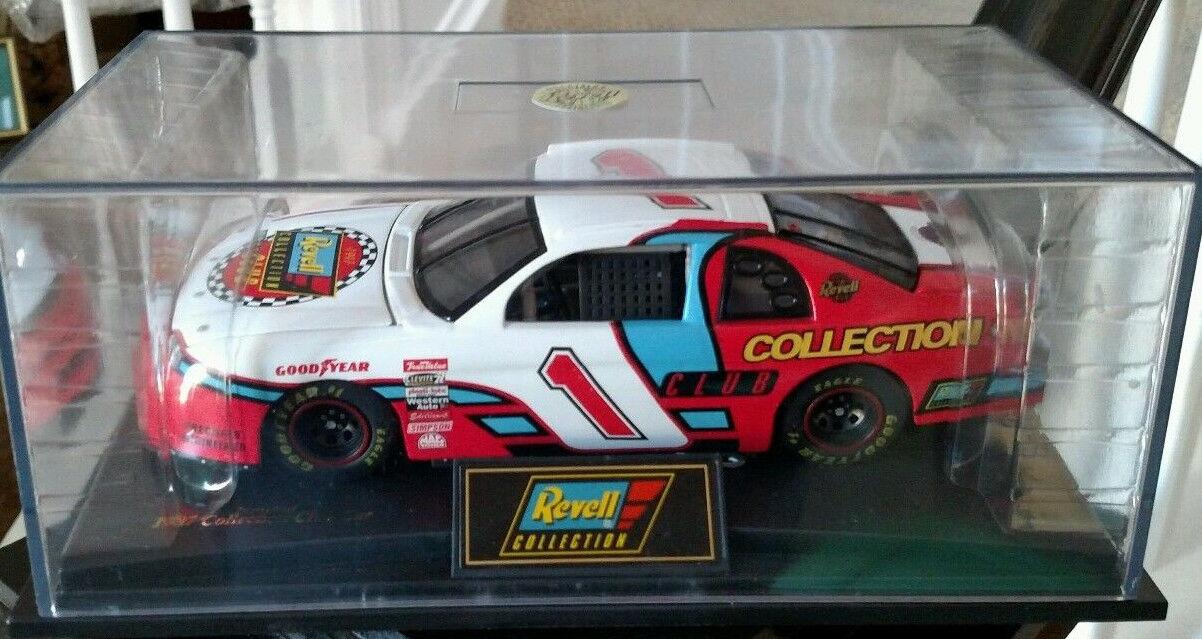 Revell Collectors Club Diecast Replica 1997 Chevrolet Monte Carlo