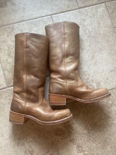 Ladies Frye Campus Boot 8.5 Gold