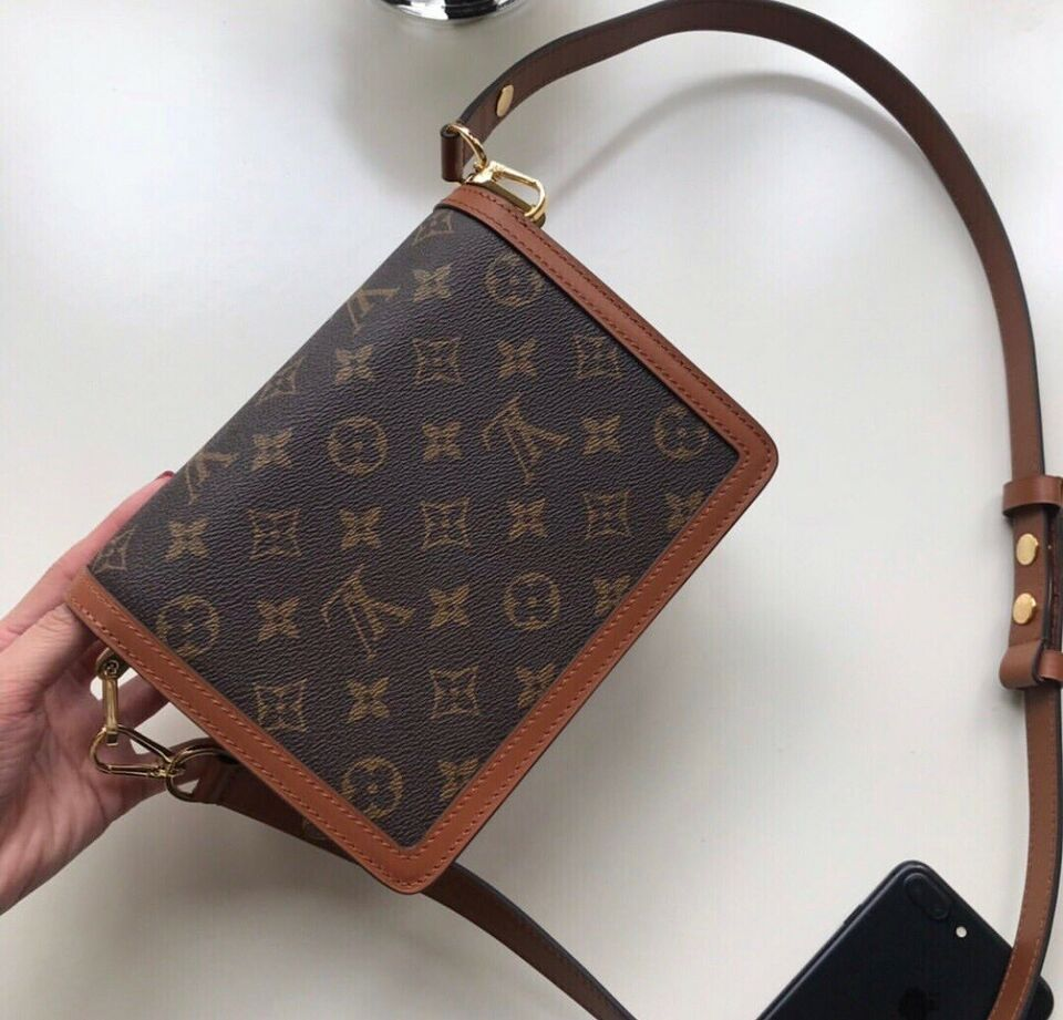 Crossbody, Louis Vuitton, kalveskind