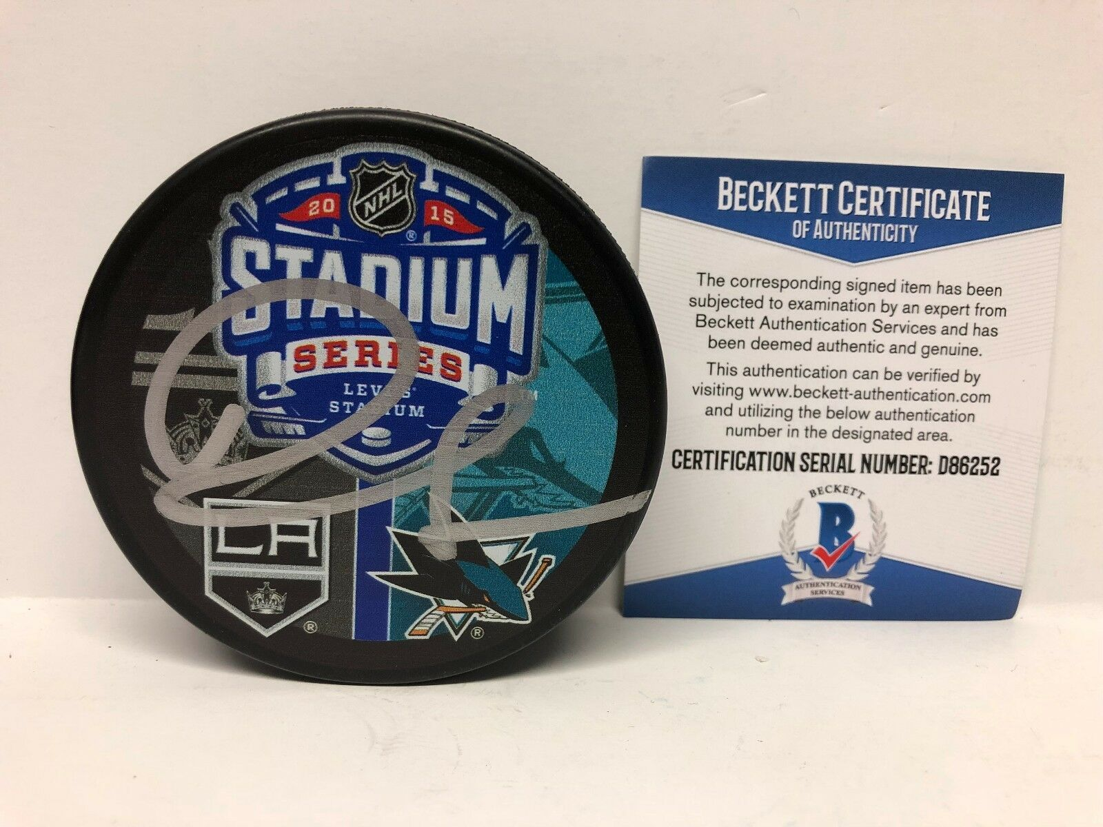 Drew Doughty Signed LA Kings/Sharks 2015 Stadium Series Hockey Puck *Dodgers BAS