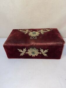 Vtg-1900-20-s-Victorian-Antique-Red-Velvet-Filigree-Brooch-Jewelry-Trinket-Box