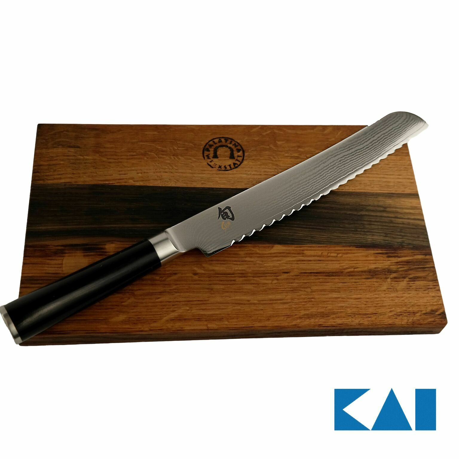 Kai Chun Classic Coffret dm-0705 Couteau à Pain 23 cm, paniquent + planche 30x18