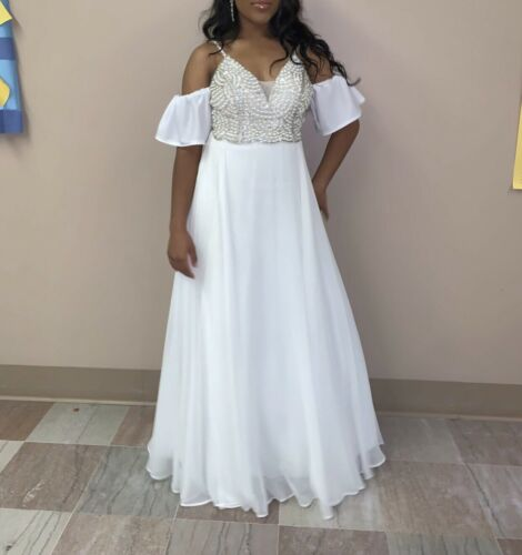 White pearl ball gown - image 1