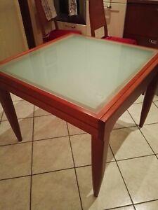 Tavolo Cristallo Allungabile Usato.Tavolo In Legno Ciliegio 90x90 Con Piano In Vetro Cristallo