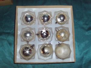 Christbaumkugeln Weiß Eislack.Details Zu 9 Antike Christbaumkugeln Glas Silber Weiß Sterne Eislack Weihnachtsbaumkugeln