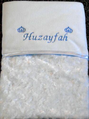 Luxueux Personnalisé couronnes bébé couverture en relief Rosebud Bleu Bébé Garçon Cadeau