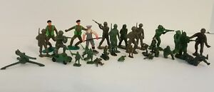 Lot-Vintage-Green-Plastic-Army-Men-Toy-Soldiers-Timpo-Marx-Hong-Kong