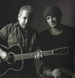 PAUL-SIMON-AND-STING-ON-STAGE-TOGETHER-TOUR-BOOK-2014