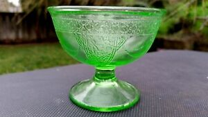 Georgian-Lovebirds-Federal-Green-Depression-Glass-3-034-Footed-Sherbet-Dish