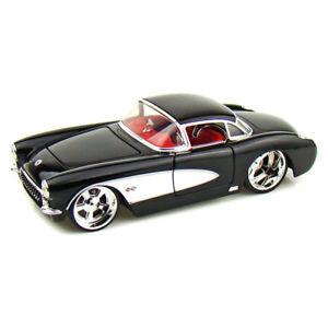 1957-Chevrolet-Corvette-1-34-Scale-Die-Cast-Car-by-Kinsmart-Black