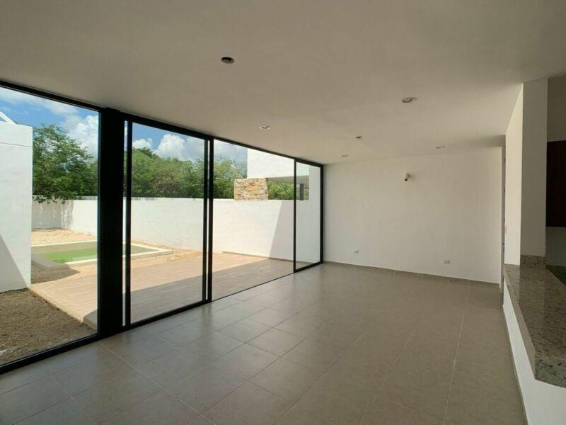 Casa en Privada Residencial en Conkal para entrega inmediata.