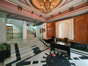 Gran oficina de piso completo en 1er nivel en Edificio seguro sobre Insurgentes