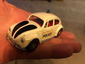RARE-VINTAGE-Volkswagon-police-car-CORGI-TOYS-1200-Saloon-Whizzwheels