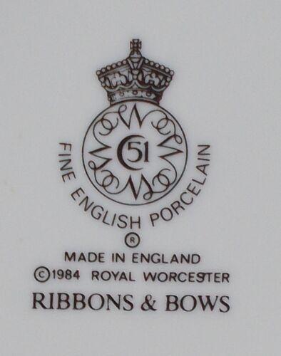 """ROYAL WORCESTER china RIBBONS /& BOWS pattern Soup//Salad Bowl  8-1//8/"""""""
