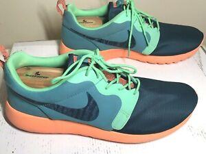 4bbfbcbd5b6 NIKE Men s Roshe Run Hyperfuse Crimson Shoes in Green-Hyper 636220 ...