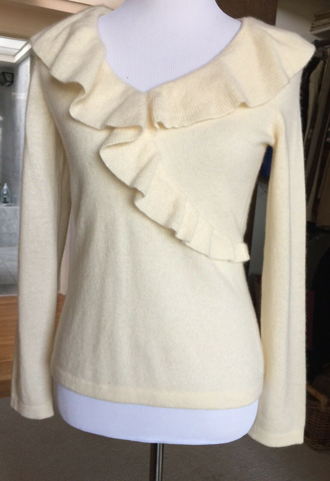 New NWT Charter Club 100% Cashmere Ivory Ruffled Credver Sweater Size S Small
