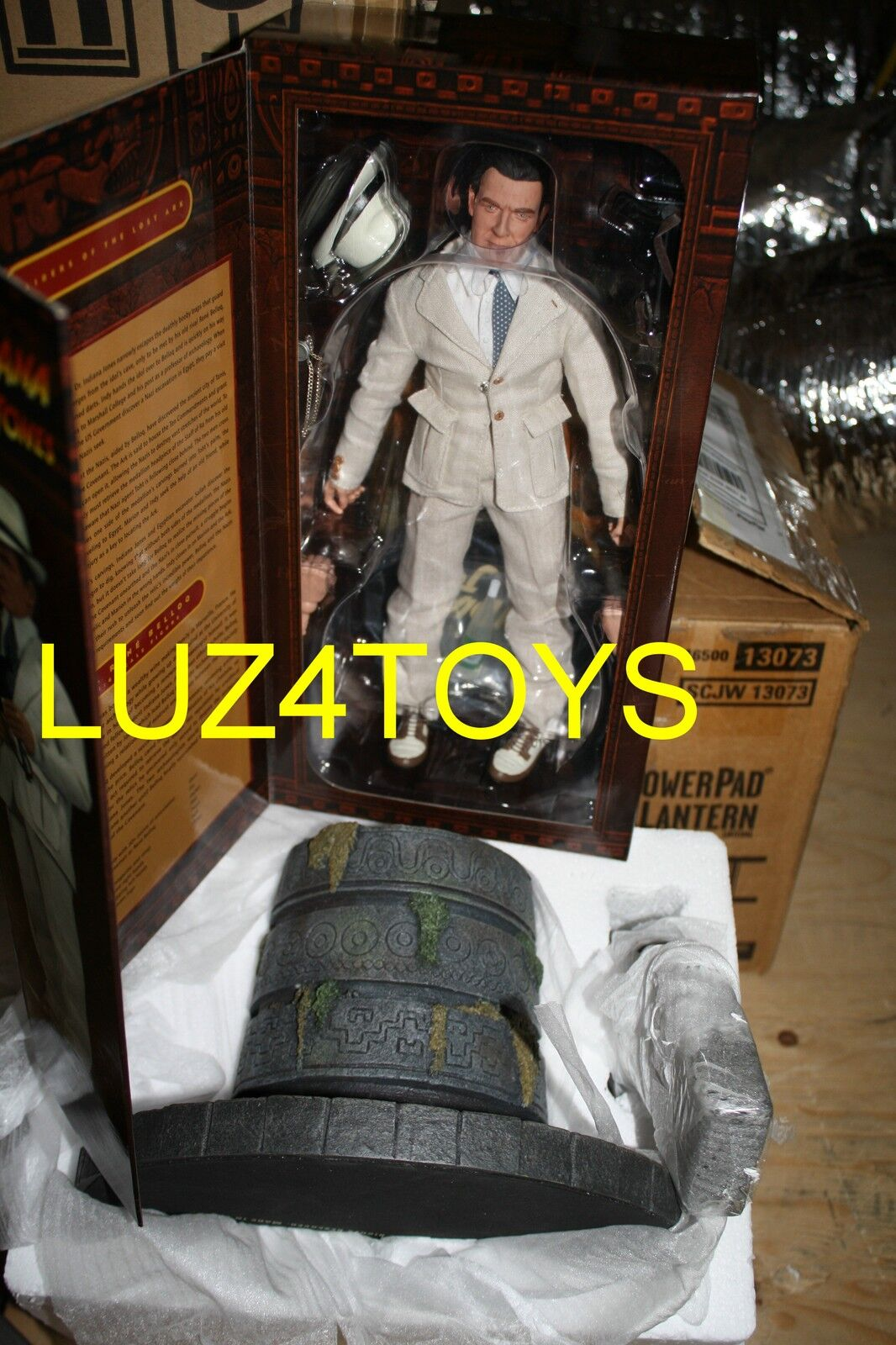 Sideshow Indiana Jones Dr. Rene Belloq 12  Figure Exclusive Edt W   Idol Chamber