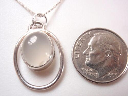 Calcédoine en cerceau pendentif en argent sterling Corona Sun Jewelry
