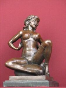 SIGNED-BRONZE-NUDE-STATUE-MODERN-ART-HANDCRAFTED-SCULPTURE-ON-MARBLE-BASE