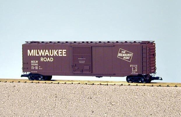 USA Trains G Scale 50 Ft Single Door Box Car R19319A Milwaukee Road - Box Car Re