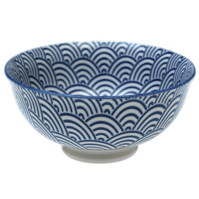 dotcomgiftshop SMALL PORCELAIN JAPANESE BLOSSOM BOWL NAVY WAVES DESIGN