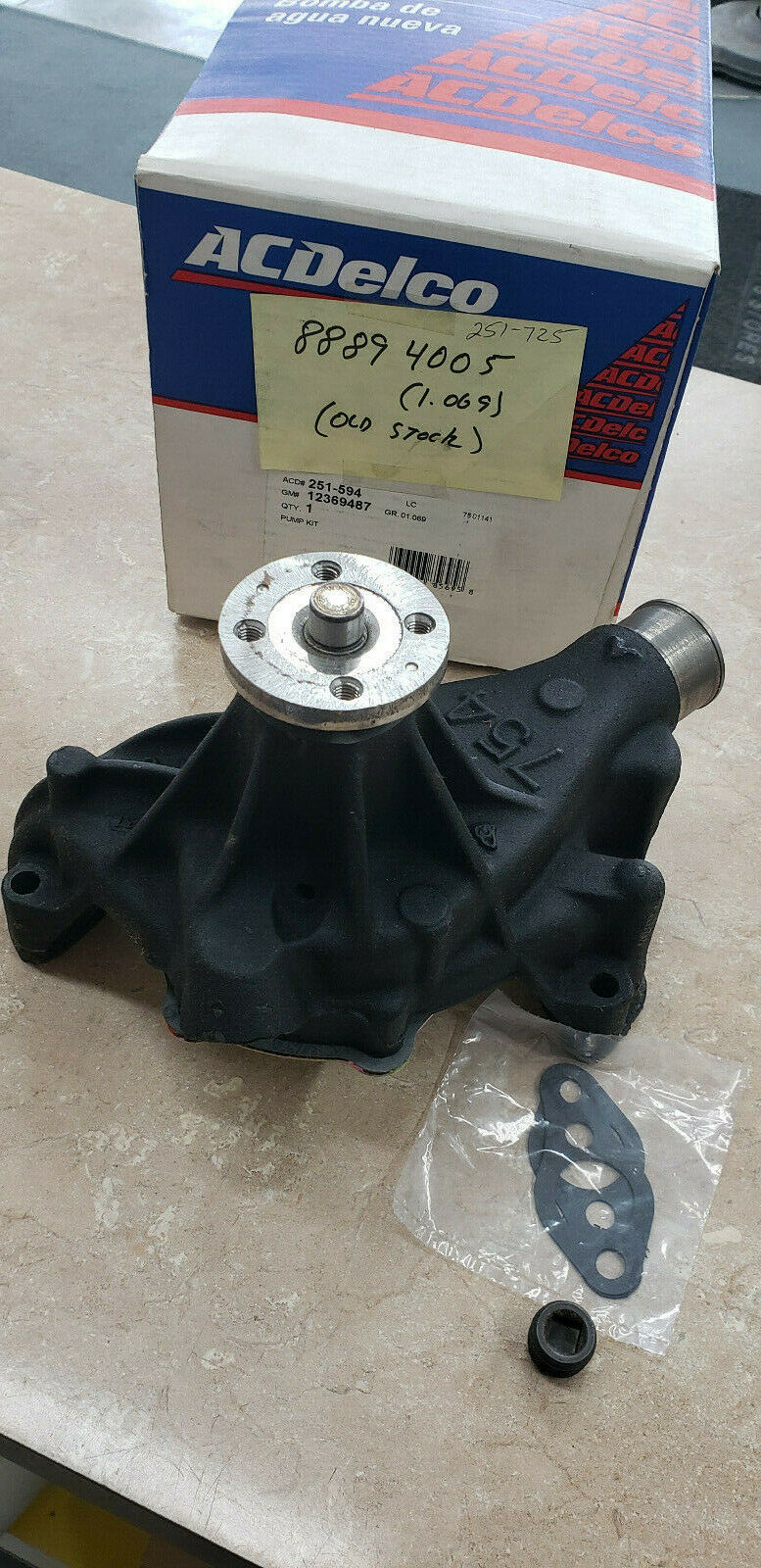** New ACDelco 251-594 Engine Water Pump Free Shipping NIP