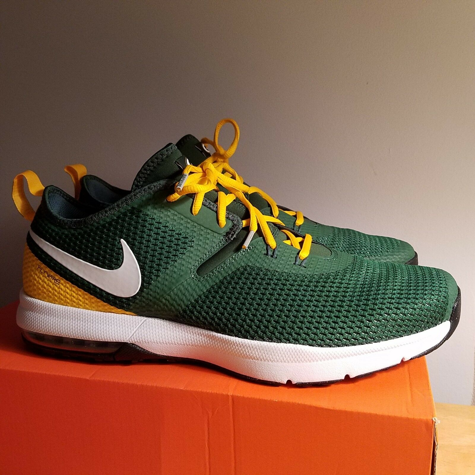 Nike Air Max Typha 2 Green Bay Packers Men's shoes. AR0509-300 Size 7