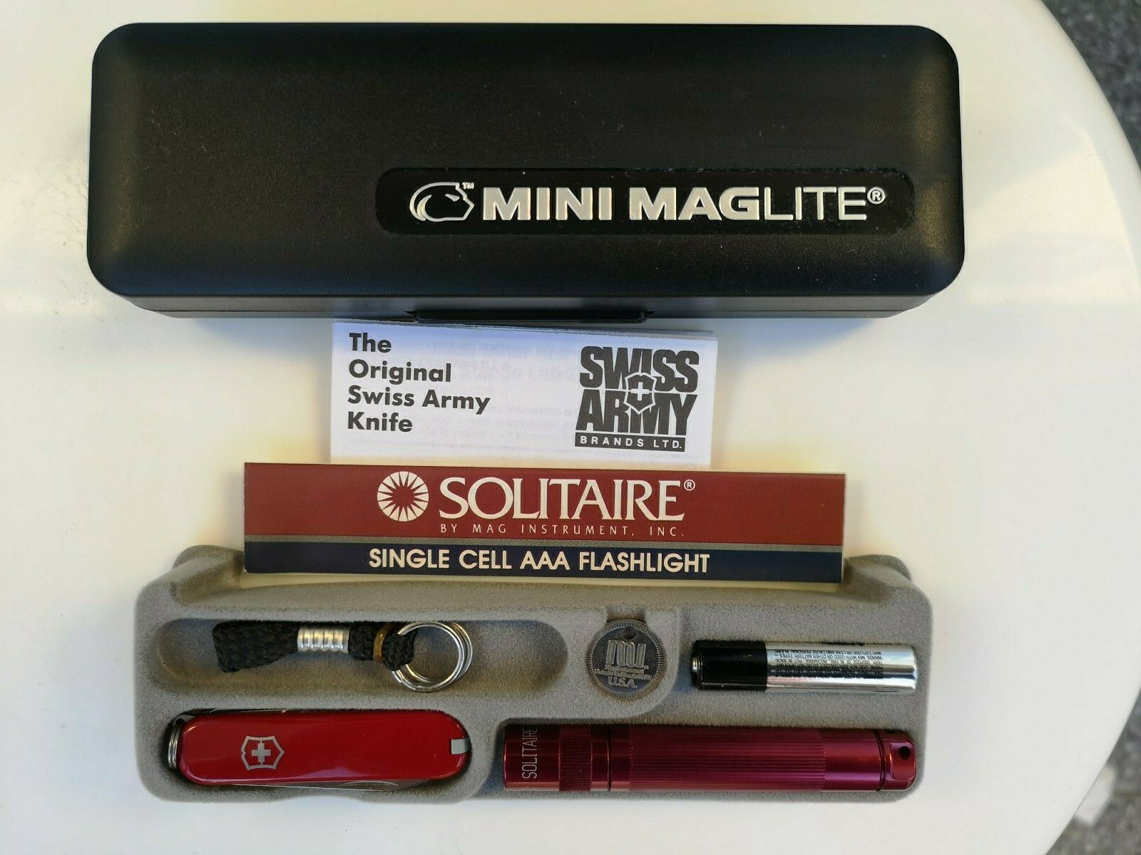 MAGLITE Solitaire AAA Bordeaux mit Original Victorinox Schweizer Messer Rot Rot Rot ac08d3