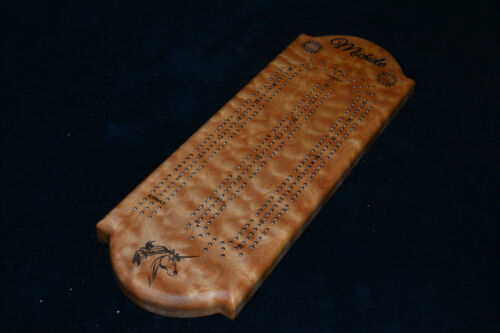 playing cards Custom Cribbage Board Laser Engraved Quilted Maple Inlaid pegs