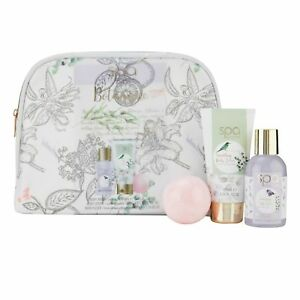 Image is loading Ladies-Cosmetic-Pampering-Gift-Set-Style-and-Grace-