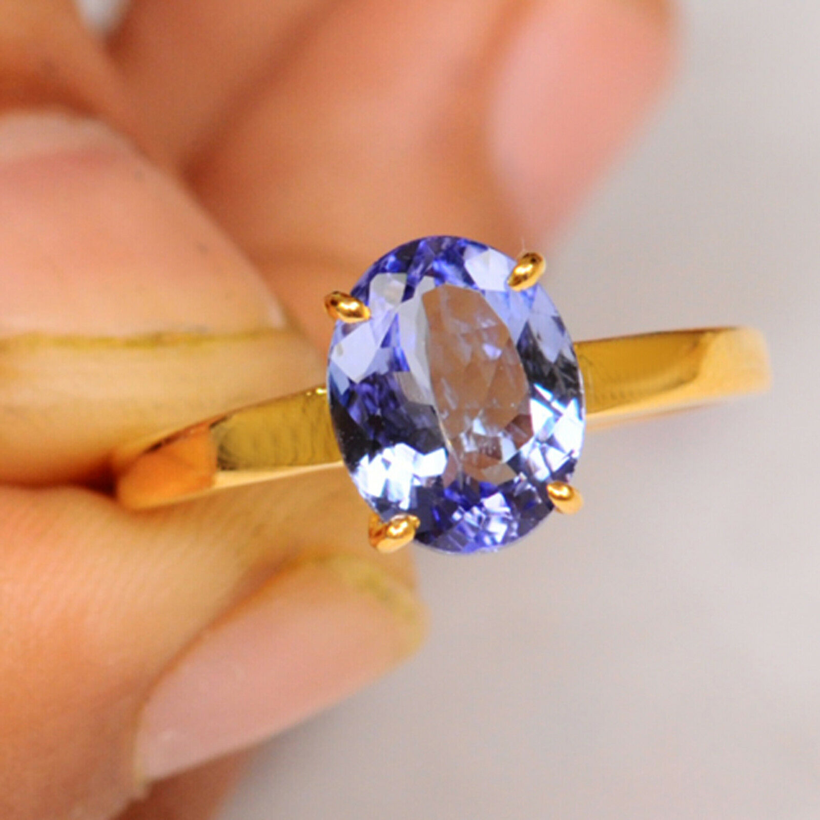 1.50Ct Natural bluee Tanzanite 14KT Yellow gold Oval Shape Solitaire Women's Ring