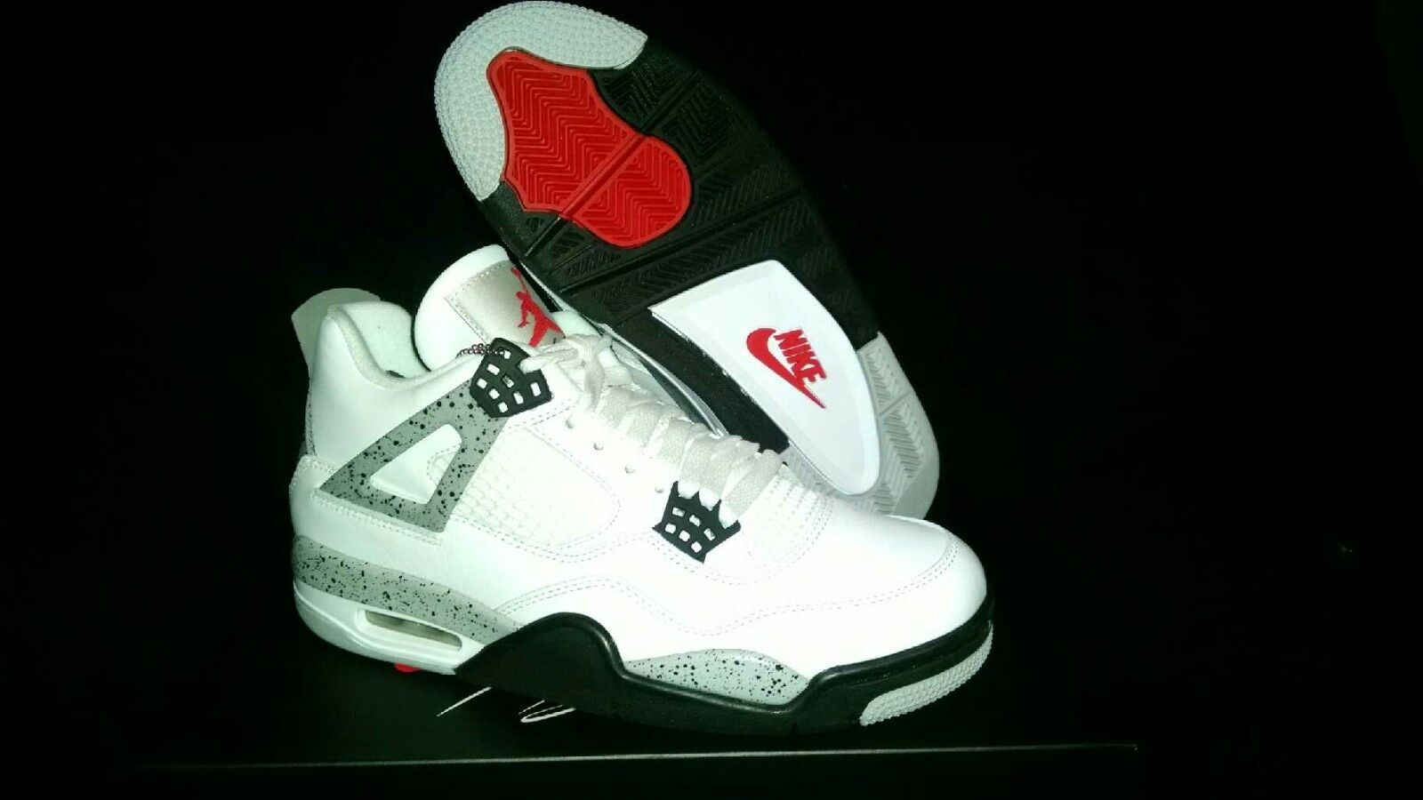 Air Jordan 4 Retro OG Brand NIB Sz 10  White Fire Red BLK Tech GRY 23