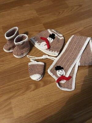 Baby Set Mütze Handschuhe Schal Schuhe gehäkelt neu Schneemann