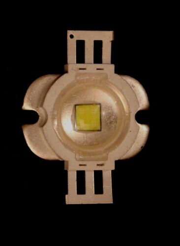 CHIP LED HAUTE PUISSANCE 5 WATTS EQUIVALENTS A 40 W INCANDESCENCE