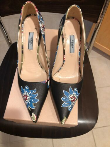 prada high heels Size 38