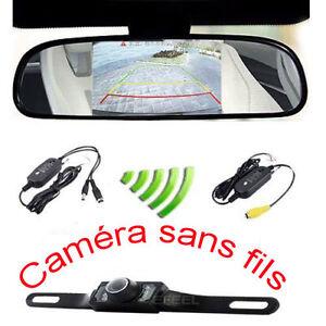 d154728793a9c Chargement de l image Camera-de-recul-sans-fils-avec-miroir-ecran-