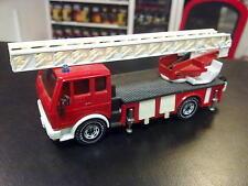 Siku Mercedes DL30 Ladderwagen 1:50 rood