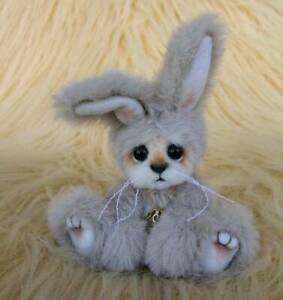 Bitsy-Bunny-OOAK-Original-Hand-Sewn-Collectors-Mini-Artist-Bear-by-Joxy-Bears