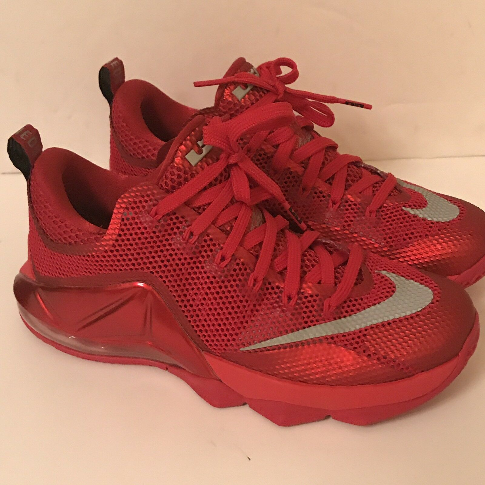 Nike LEBRON XII 12 Low Mens Size 8 Red October Bred Black Silver 724557-616