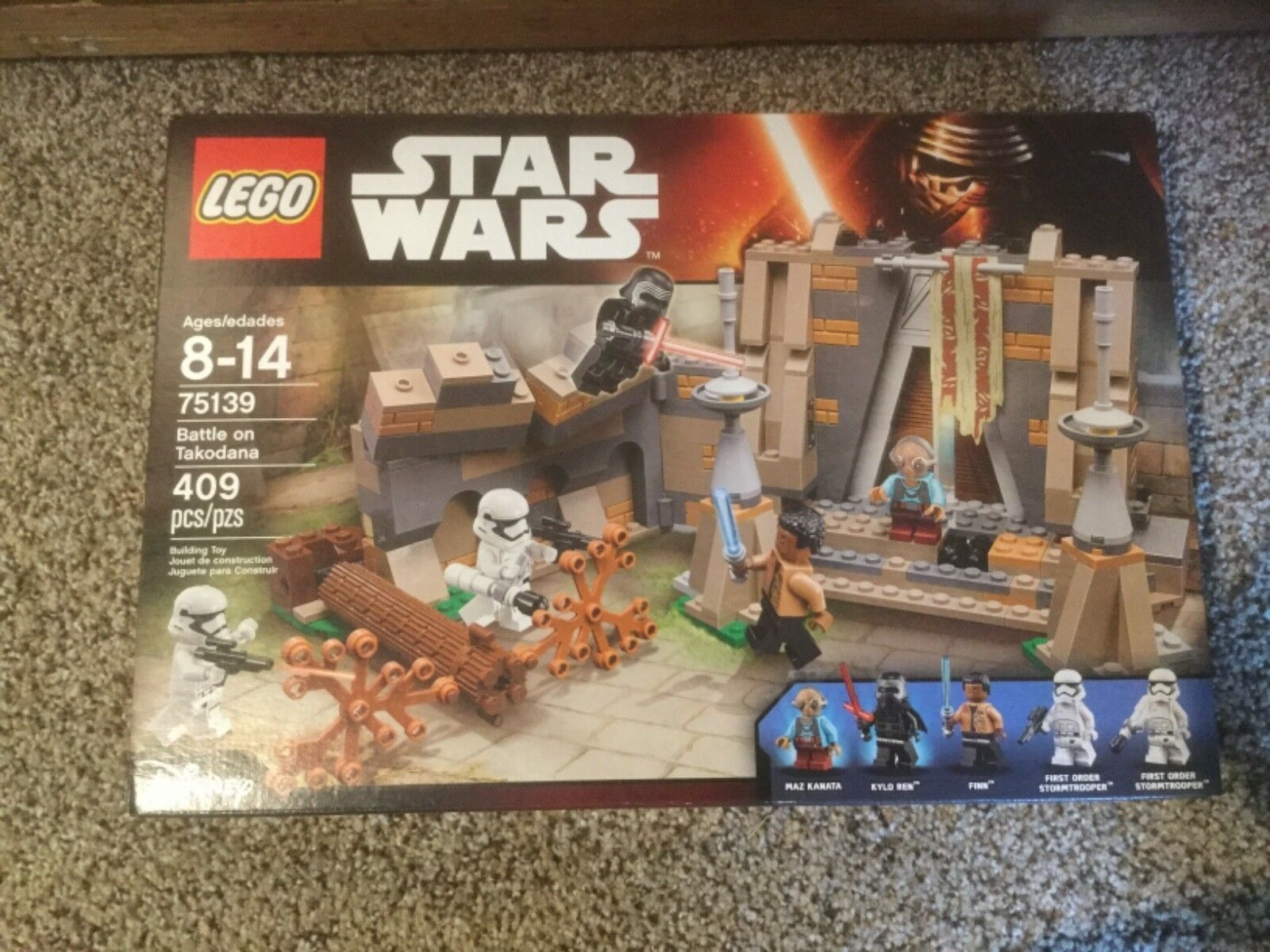 Nuovo in box Lego Star Wars Battle on Takodana. 75139